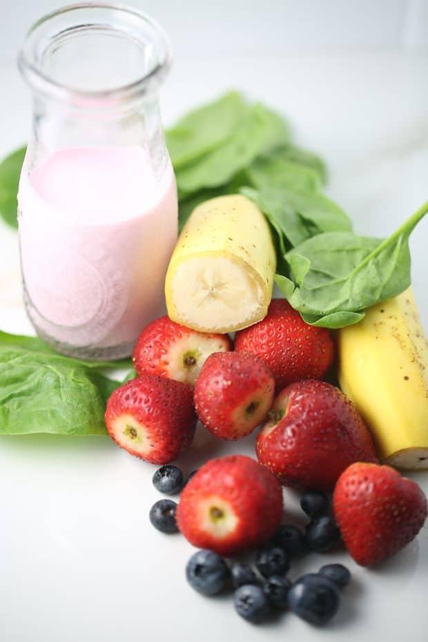strawberry spinach smoothie ingredients