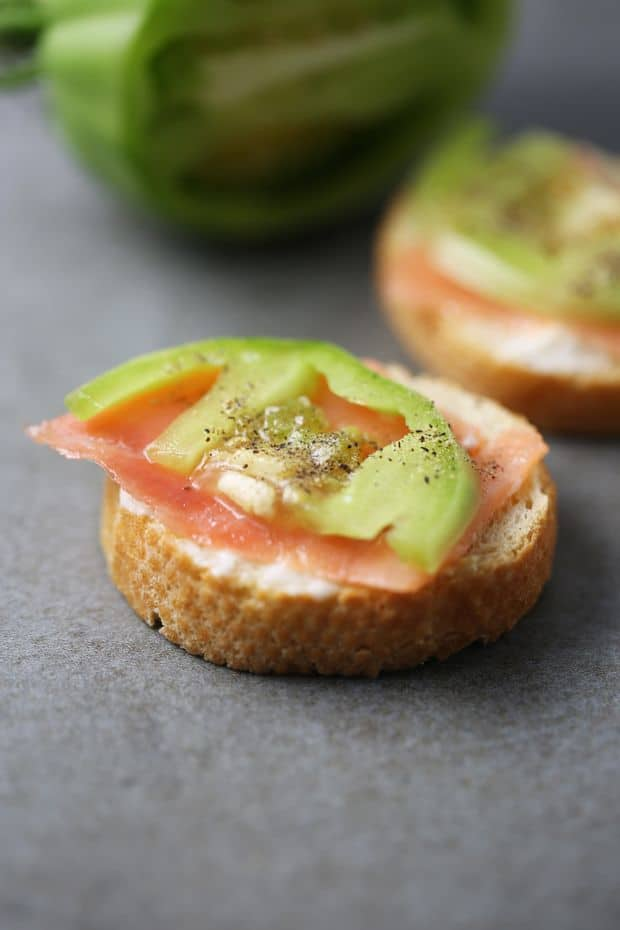 smoked salmon sandwich with green tomato