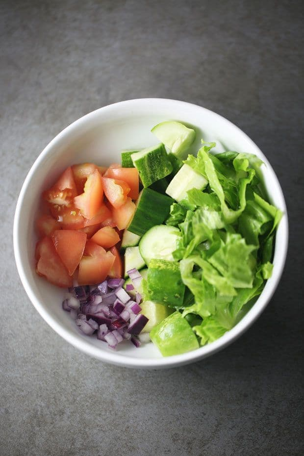 lettuce tomato cucumber salad vegetables bowl